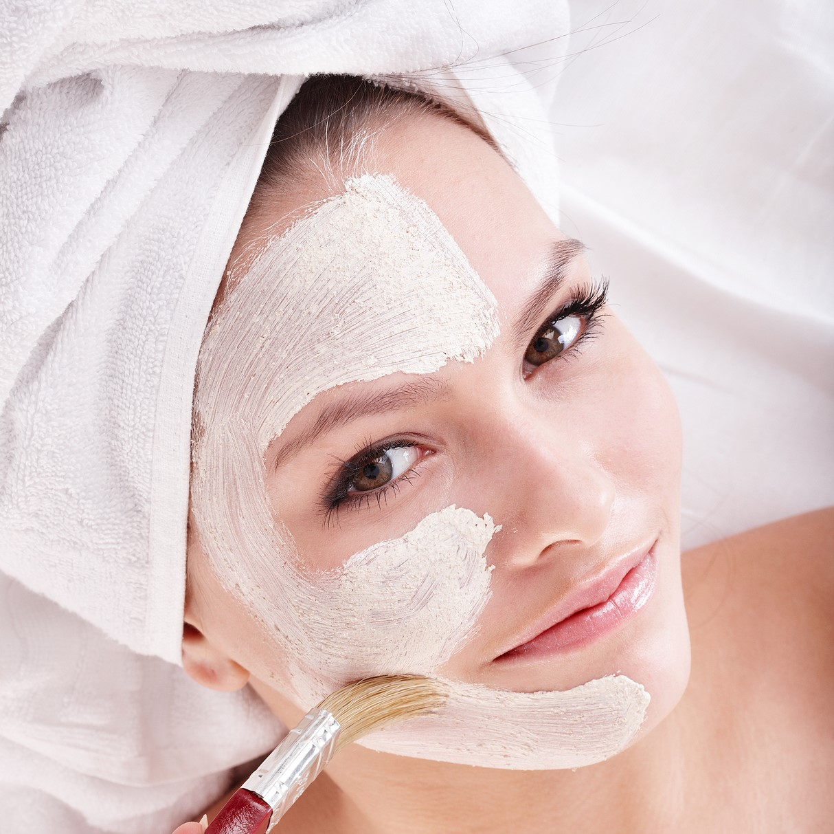 women with face mask 1